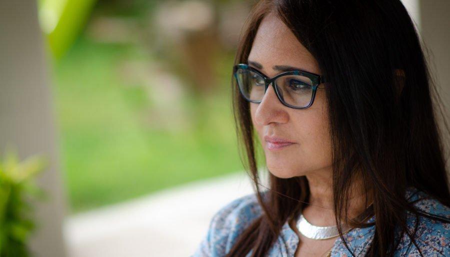Intervju med Ananda Devi – aktuell med Eva ur spillrorna